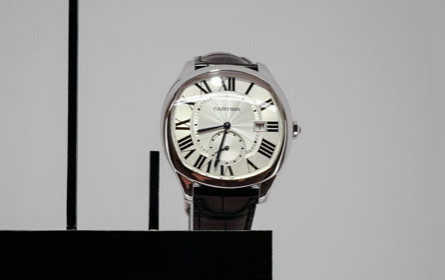 Richemont verkaufte mehr Schmuck und Uhren im Weihnachtsquartal