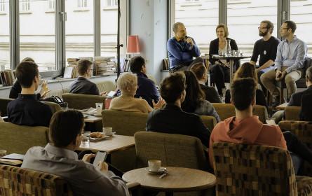 "Der Salon Identum zum Thema ""Data driven"" vs. ""Bauchgefühl"""