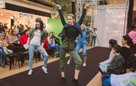 Donau Zentrum lädt zu Fashion Village mit Mode & Beauty-Highlights