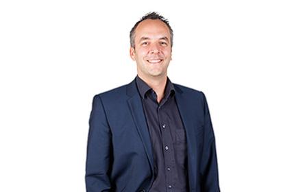 NZZ-Mediengruppe übernimmt 100 Prozent der Aktien; Veränderung in der Führung