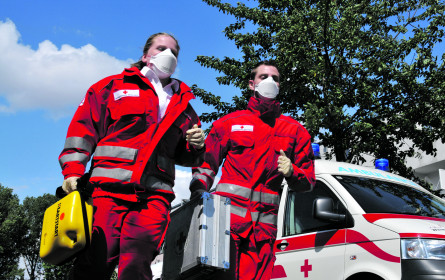 Masken für das Rote Kreuz