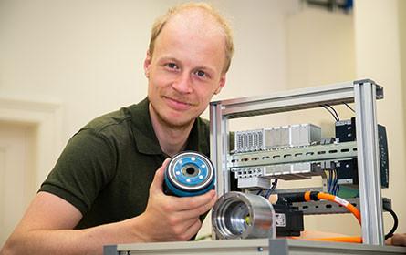 """""""Smart Gear"""" macht Industrieroboter leistungsfähiger und intelligenter"""