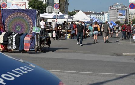 Flohmarkt beim Wiener Naschmarkt zurückgekehrt