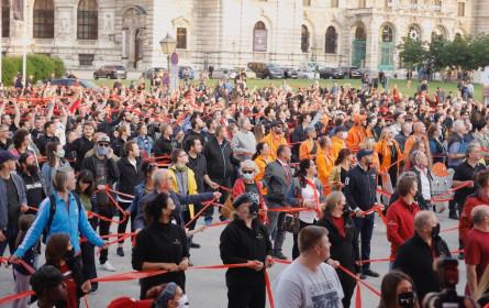 """""""Ohne uns"""" am Heldenplatz: Veranstaltungsbranche protestierte"""