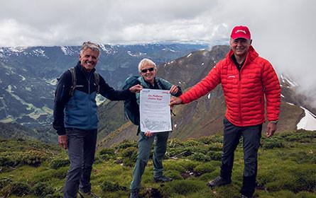 """Almdudler & Alpenverein setzen sich für """"Saubere Berge"""" ein"""