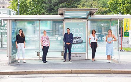 Renault Zoe bringt Wartehalle zum Leuchten