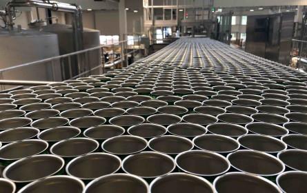 Spitz nimmt neue Dosenabfüllanlage in Betrieb
