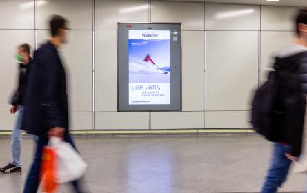 101 Bildschirme auf 77 Bahnhöfen