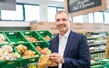 Hofer stellt im Bereich Obst & Gemüse auf recyceltes PET um