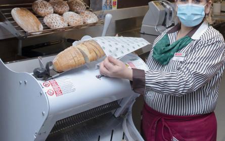 Spar schneidet jetzt Brot frisch auf
