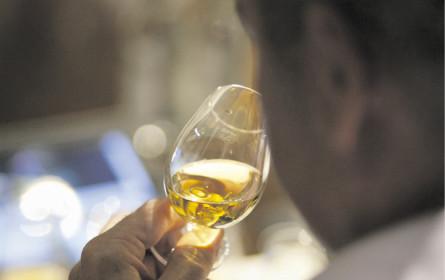 Pernod Ricard sackt ab