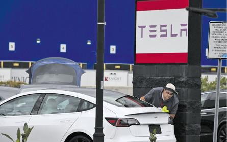 Tesla überrascht mit Quartalsgewinn
