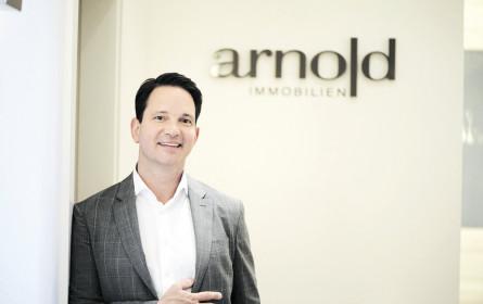 Arnold expandiert weiter