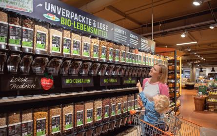 Bio-Lebensmittel zum selbst Abfüllen bei Interspar in Dornbirn