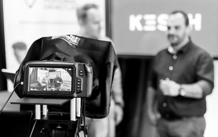 Kesch bietet TV- und Tonstudio für Online-Events an