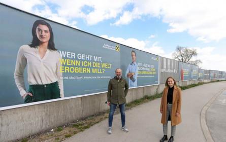 Raiffeisen Stadtbank präsentiert sich großflächig
