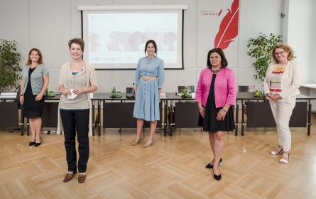 """Studie """"Frauen – Politik – Medien 2020"""" untersucht Präsenz von Frauen in Wirtschaft, Politik und Medien"""