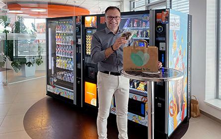 """Partnerschaft mit Too Good To Go: café+co sagt """"food waste"""" den Kampf an"""