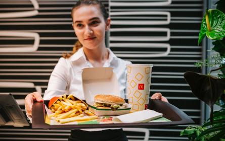 """McDonald's Österreich erweitert sein Angebot mit dem """"McPlant"""""""