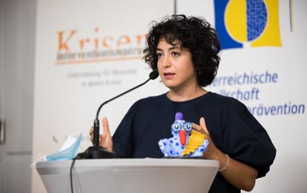 """Papageno-Medienpreis 2021 ging an """"Presse""""-Redakteurin Duygu Özkan"""
