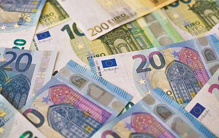 Handelsverband-Umfrage: Hälfte aller Transaktionen im Handel weiterhin in bar