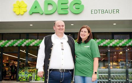 Oberösterreichs erster Adeg-Markt mit E-Tankstelle eröffnet