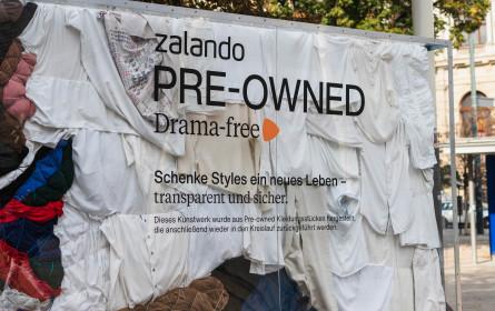 Zalando kooperiert mit österreichischen Kunststudenten für exklusive OOH-Billboards aus Pre-Owned Fashion