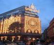 Shoppingrausch in Paris am Sonntag