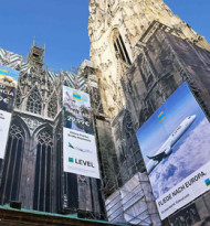 Level zeigt Megaboard am Wiener Stephansdom