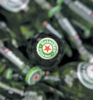 Heineken schenkt kräftig aus