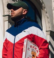 """""""#TeamCapi"""": Pizza-Label von Deutschrapper Capital Bra nun auch in Österreich gelistet"""