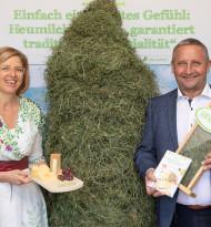 """Arge Heumilch präsentiert neue Fibel """"Heumilch-Käse und seine Freunde"""""""