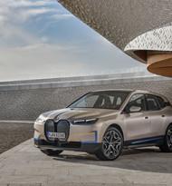BMW präsentiert vollelektrischen Oberklasse-SUV