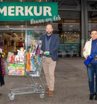 Billa und Merkur unterstützen österreichweit lokale Spielwarenhändler und Kinder-Krebs-Hilfe