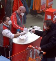 Akuter Personalmangel: Supermärkte gegen FFP2-Pflicht für Mitarbeiter