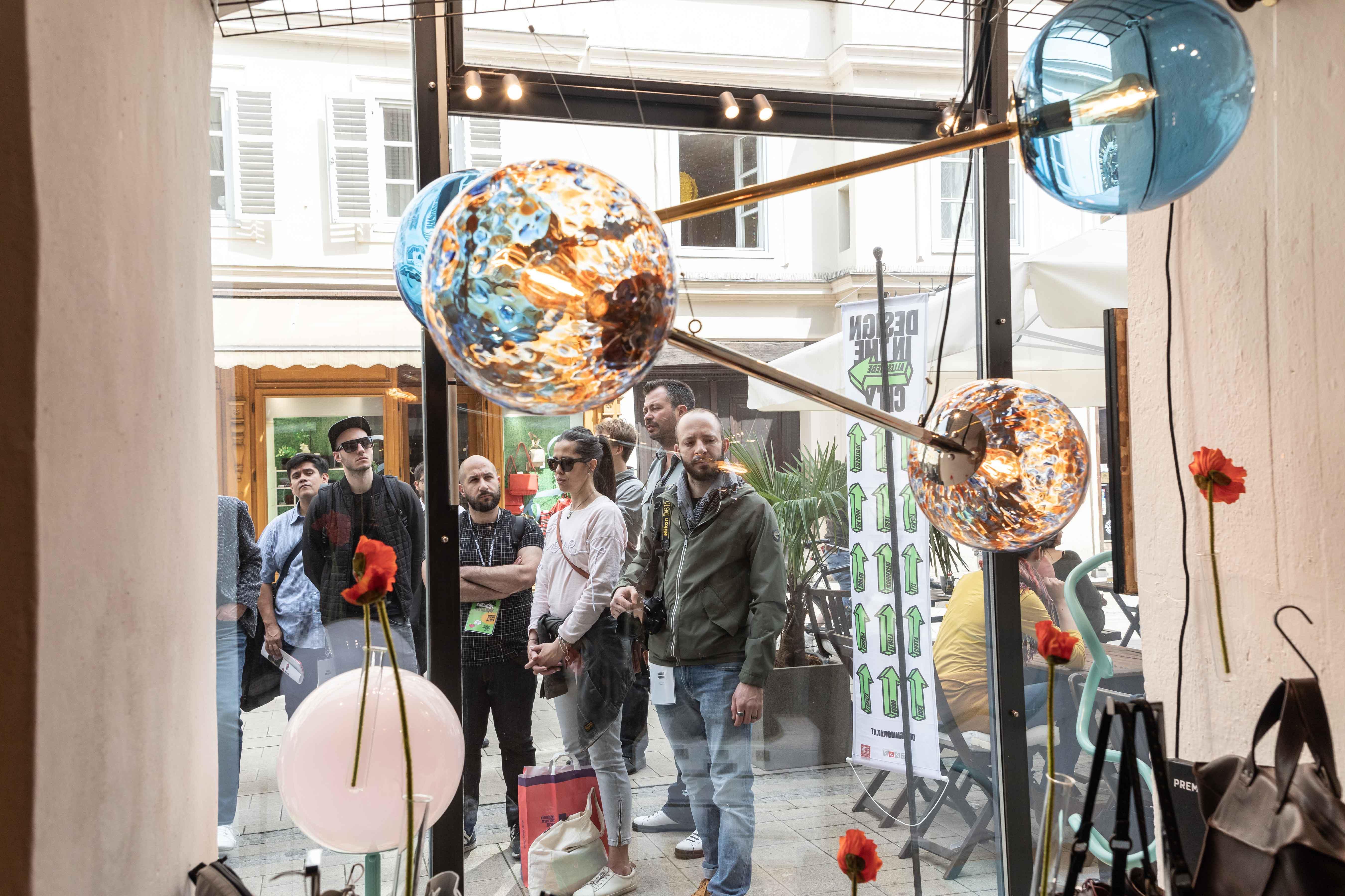Mnews Schritt Auf Und Graz Design – Tritt at In Medianet cARLj5S34q